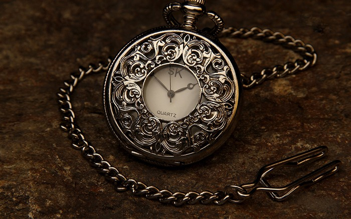 Time clock silver stone-Life Photography HD Wallpaper Views:1213