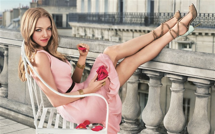 Amanda Seyfried-2017 Beauty Girl Wallpapers Views:1420