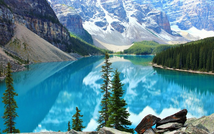 Beautiful moraine lake-Scenery High Quality Wallpaper Views:891
