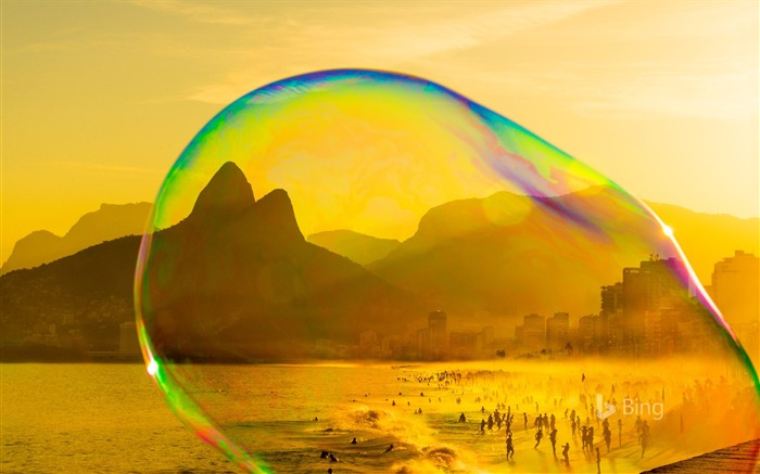Rio Janeiro Soap bubble on Ipanema beach-2017 Bing Desktop Wallpaper