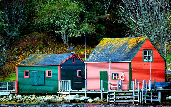 Small fishing village autumn-Country Nature Scenery Wallpaper