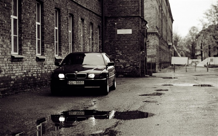 BMW e38 old photography-Vintage Themed Wallpaper Views:1174