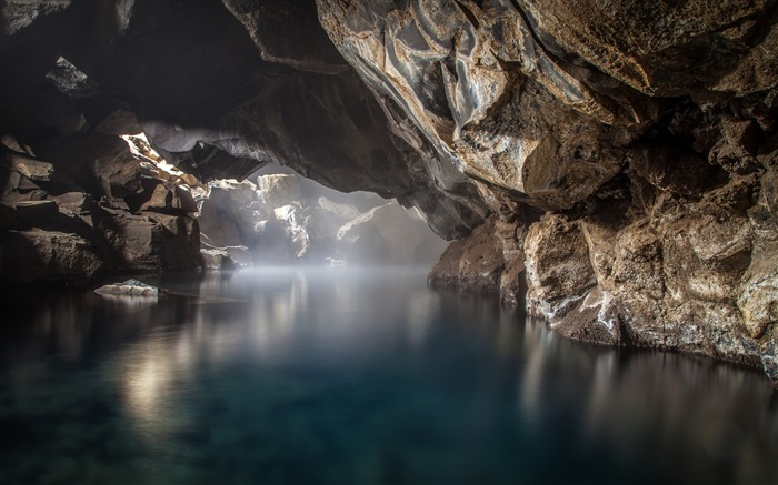 Cave thermal spring-Scenery Photo HD Wallpaper Views:1134