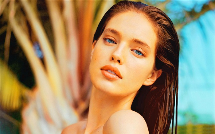 Emily Didonato-Vintage Themed Wallpaper Views:979