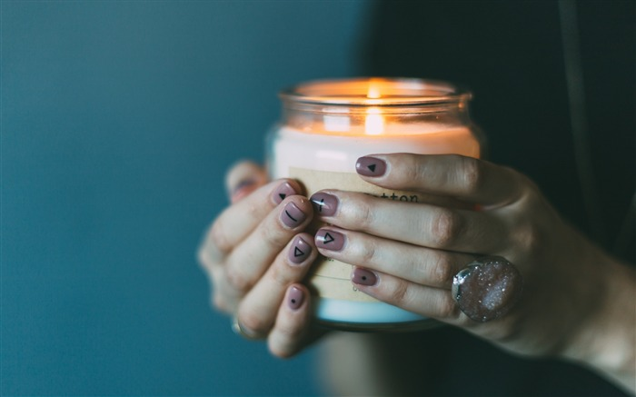 Hands candle manicure-High Quality Wallpaper