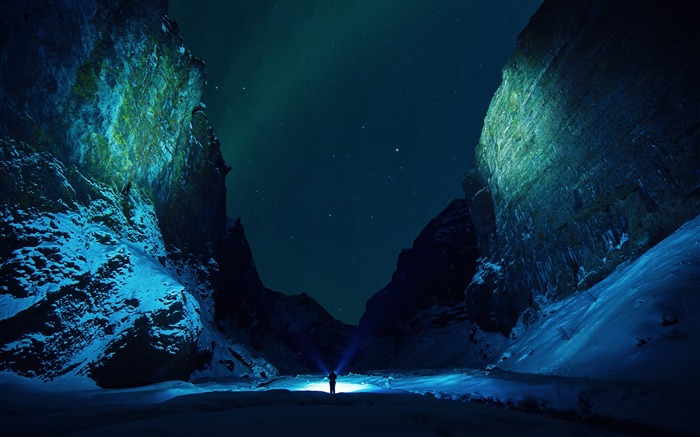 Title:Mountains snow ice floes night-High Quality Wallpaper Views:1392