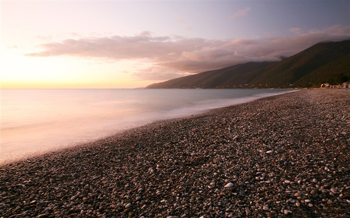 Pebbles beach-Nature landscape wallpaper