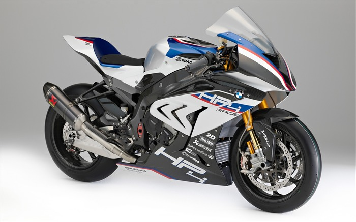 BMW hp4 race-2017 High Quality Wallpaper Views:1103