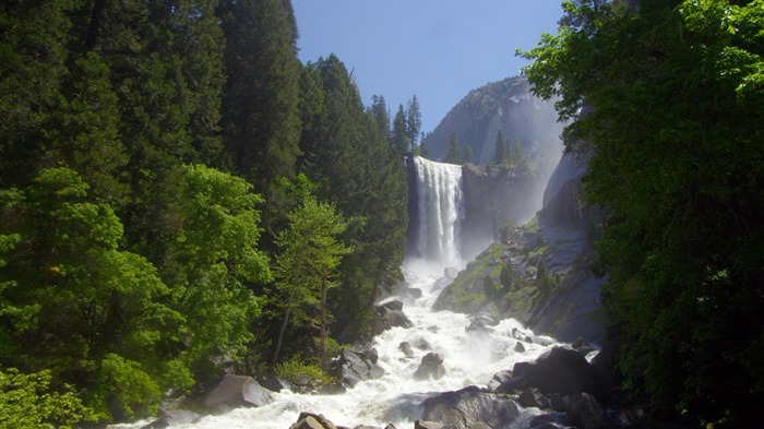 California Vernal Fall at Yosemite National Park-2017 Bing Desktop Wallpaper