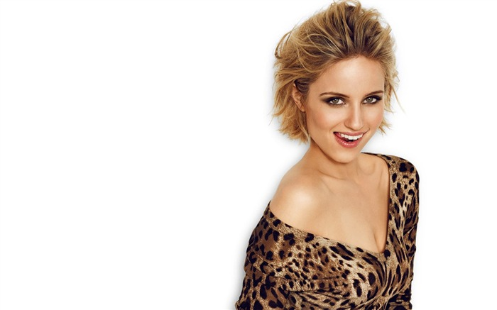 Dianna Agron-2017 Beauty HD Poster Wallpapers Views:928