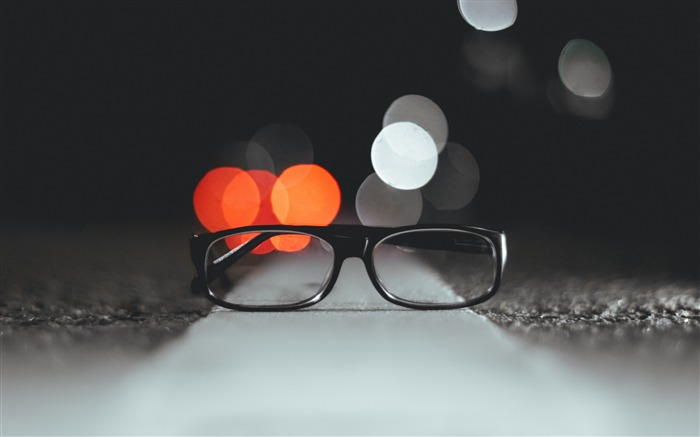Glasses glare light-2017 High Quality Wallpaper Views:842