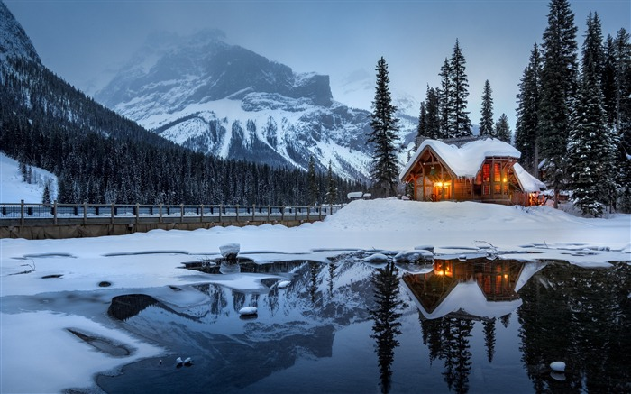 House mountains snow lake-High Quality Wallpaper Views:1181