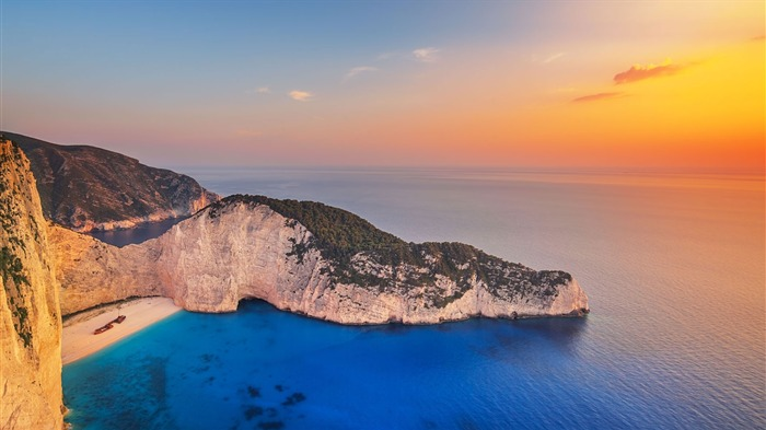 Greece Navagio Beach at Zakynthos-2017 Bing Desktop Wallpapers Views:4383 Date:7/22/2017 11:33:57 PM