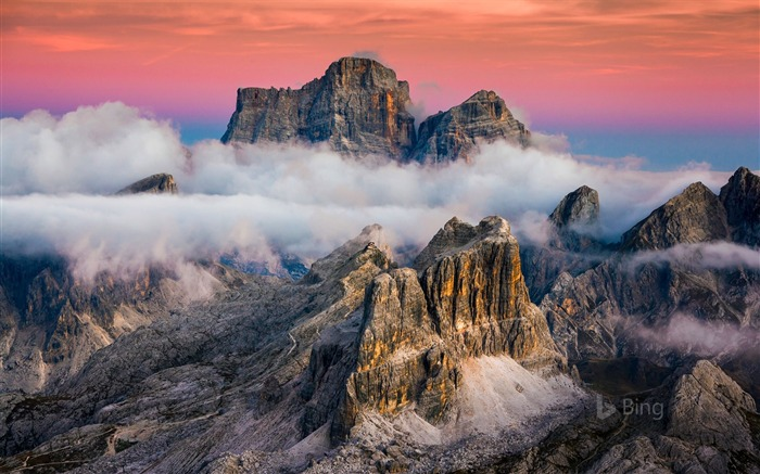 Lagazuoi Mountain near Cortina Italy-2017 Bing Desktop Wallpaper Views:4401 Date:7/23/2017 12:15:34 AM