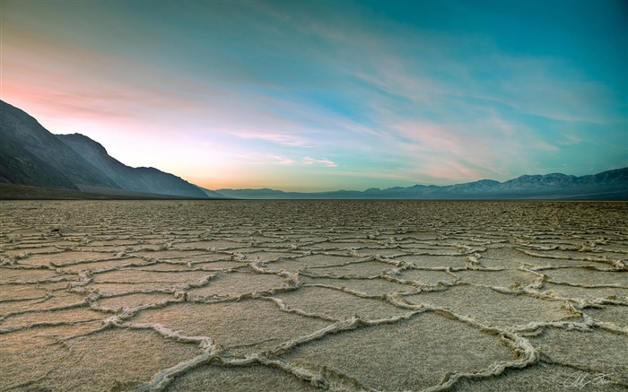 Badwater salt pan death valley-Nature HD Wallpapers Views:433