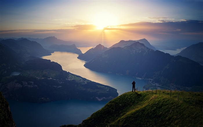 Lake lucerne switzerland mountain-2017 High Quality Wallpaper Views:964