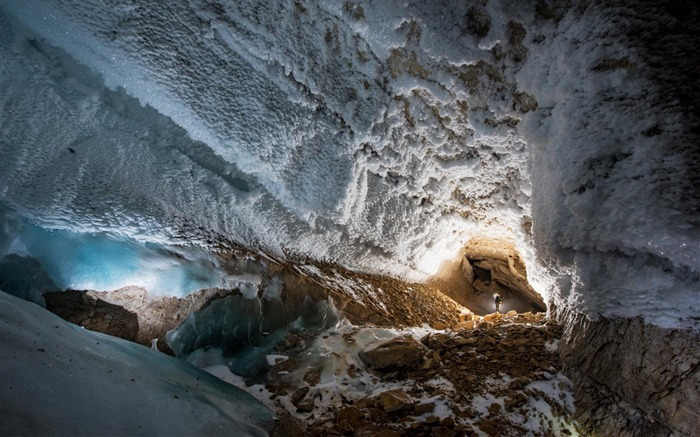 Full moon hall cave uzbekistan ice-National Geographic Wallpaper Views:333