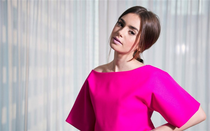 Lily Collins-Beauty Photo Wallpaper Views:723