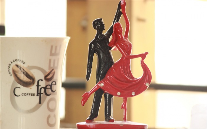 Statuette dance couple romance-High Quality Wallpaper Views:406