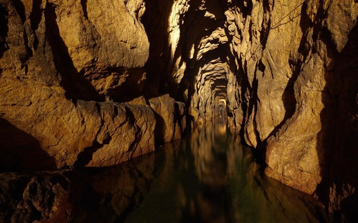 Tarnowskie Mountains Cave poland-National Geographic Wallpaper Views:301