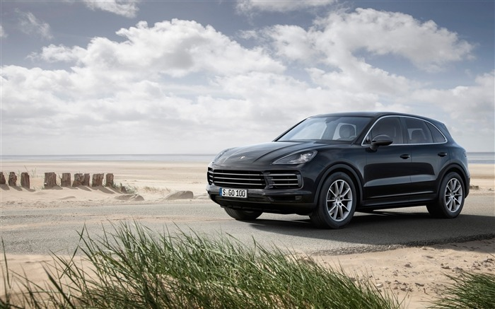 2018 Porsche Cayenne HD Wallpaper 13 Views:363