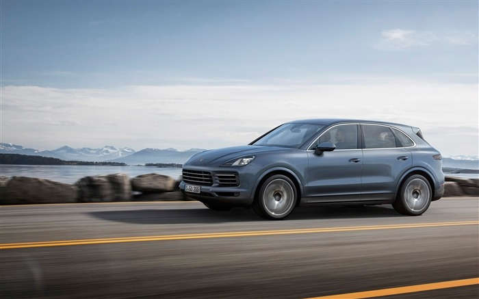 2018 Porsche Cayenne HD Wallpaper 15 Views:410