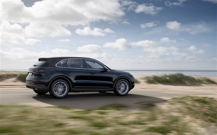 2018 Porsche Cayenne HD Wallpaper 17 Views:233
