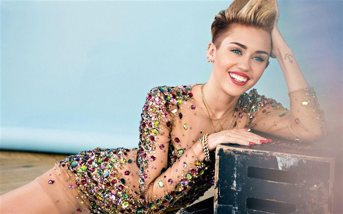 Miley Cyrus 2017 Photo Wallpaper Views:580