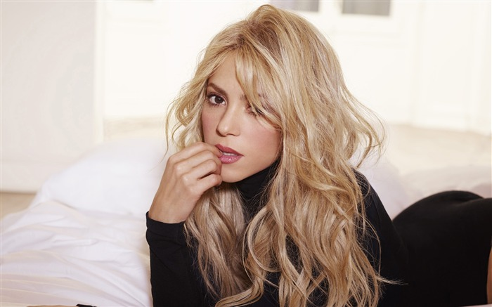 Shakira 2017 Photo Wallpaper Views:616