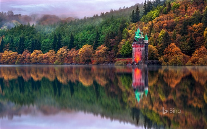 The straining tower at Lake Vyrnwy in Powys 2017 Bing Wallpaper Views:603