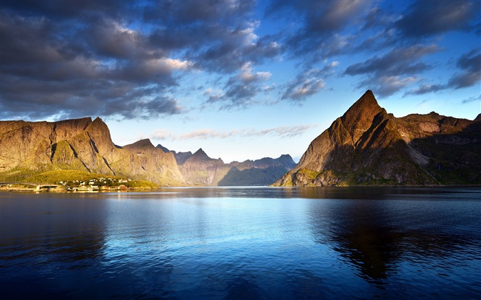 Norway islands mountains lake clouds 2017 HD Wallpaper Views:782