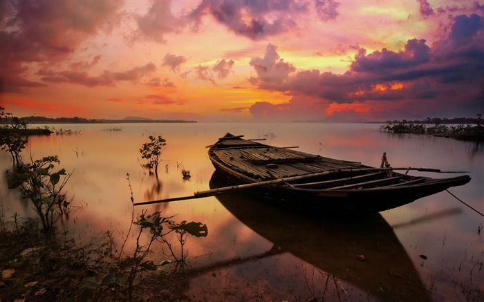 Sunset on the lake boat Photo HD Wallpaper Views:880