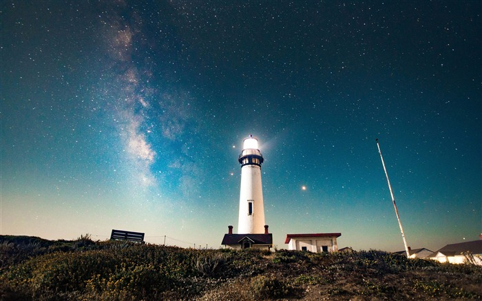 High mountains lighthouse night star sky Views:1553