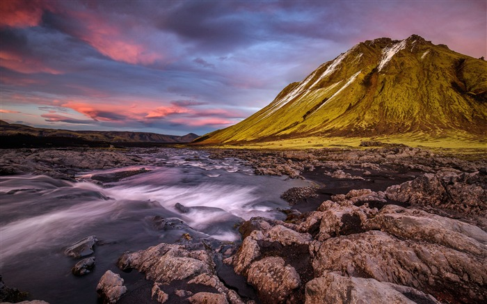 Iceland mountains river stream stones Views:3408 Date:12/27/2017 10:53:28 PM