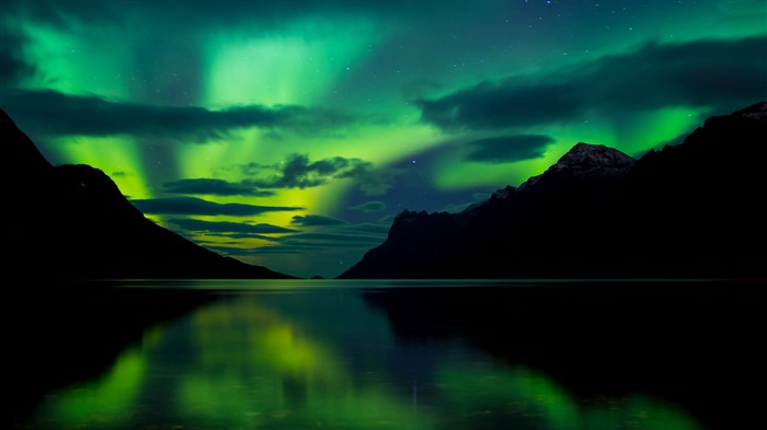 Sweden travel lake night aurora 4K Ultra HD  Views:9131 Date:12/23/2017 3:37:44 AM