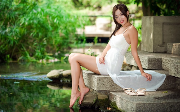 Asian beauty model outdoor 4K photo Views:2601