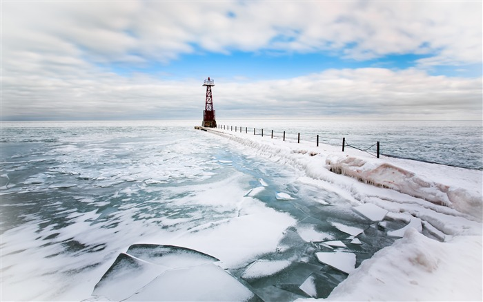 Winter frozen coast cold lighthouse Views:780