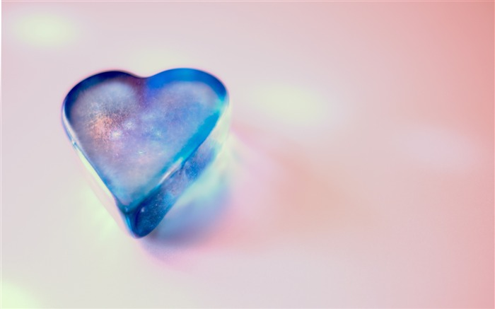 Blue crystal love heart pink background Views:850