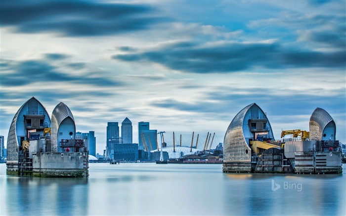 The Thames Barrier in London Bing 2018 Views:1201