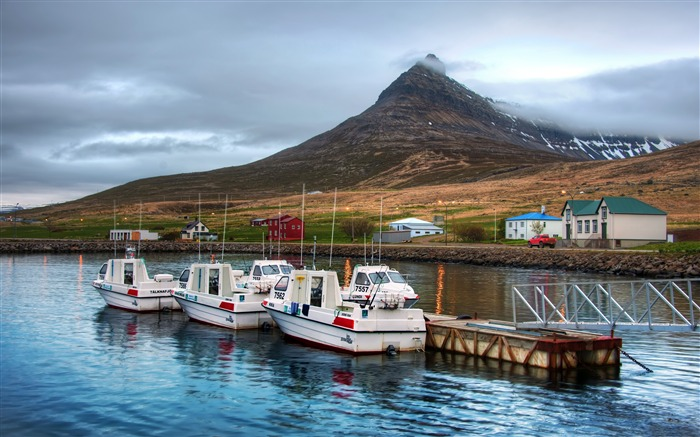 Iceland nature mountains boats harbor Views:928