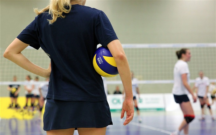Female volleyball sport coach back view Views:536