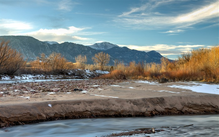 Mountains peaks Winter River 2020 Nature Scenery Photo Views:2584 Date:5/28/2020 7:22:13 AM