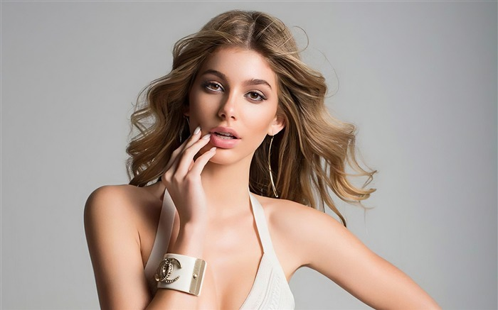Camila Morrone 2020 Charming Beauty Model Photo Views:856 Date:11/13/2020 7:14:04 PM