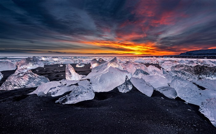 Diamond Beach Glacier Iceland 2021 Bing Theme Desktop Views:1641 Date:2/27/2021 1:51:10 AM