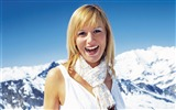Title:Beautiful Girl Portrait in Alps - Alpine Winter Vacation Views:7069