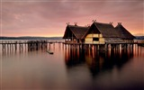 Title:Photo beautiful reflection wooden house on water Views:8442