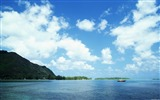 Title:blue sky in the boat wallpaper Views:9363