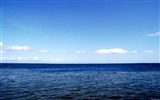 Title:blue water and blue sky wallpaper Views:27653