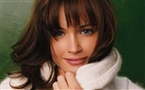 Title:Alexis Bledel Wallpaper 05 Views:9806