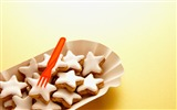 Title:Christmas crackers snacks Wallpaper Views:7523